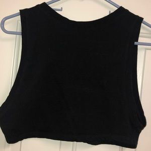 Tops - Cute simple black crop top